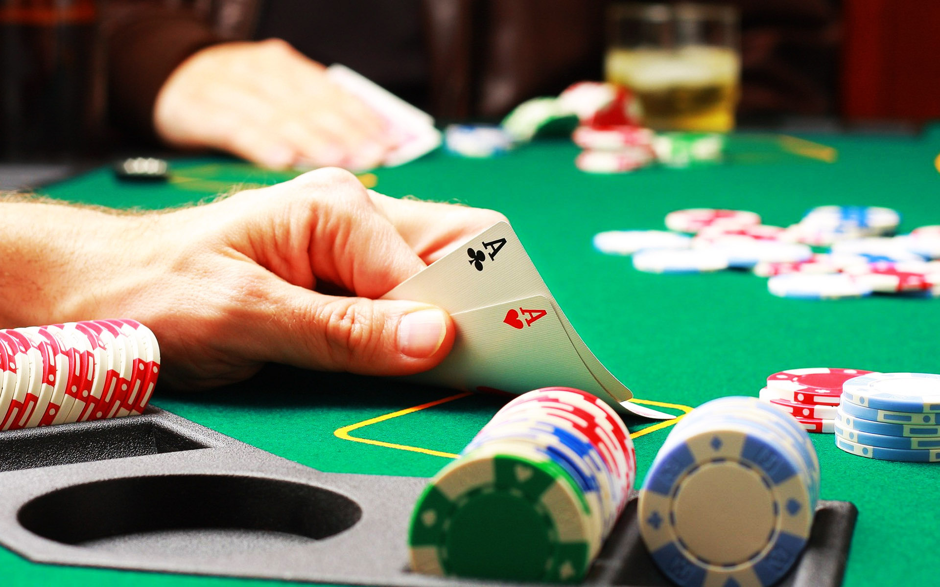 PLAY TEXAS HOLD EM POKER