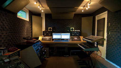 MASTER YOUR TRACK PROFESSIONALLY