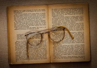 Write a book / ghostwritter