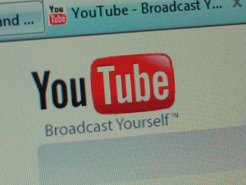 800 YouTube subscribers